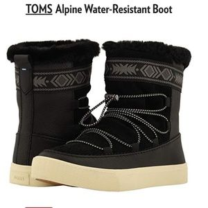 NWT TOMS Alpine Water-Resistant Boot in Black